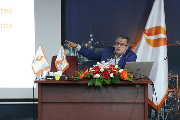 مذاکره برای قراردادهای نفتی، جنگ میان منطقهاست