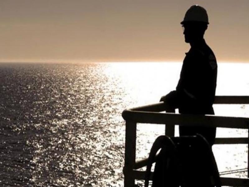 قواعد و دستمزد کار بر روی دکلهای دریایی