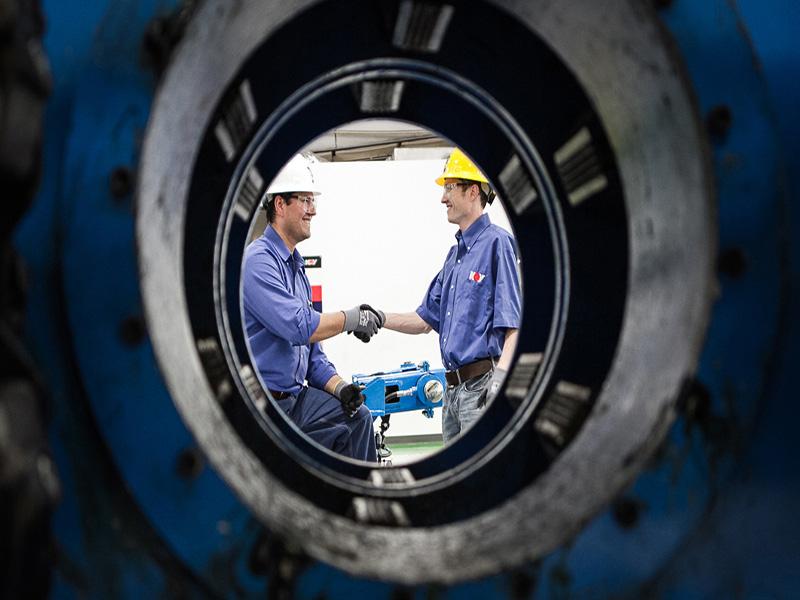 بازرسی چاههای نفت بابهره گیری ازفناوری الکترومغناطیس