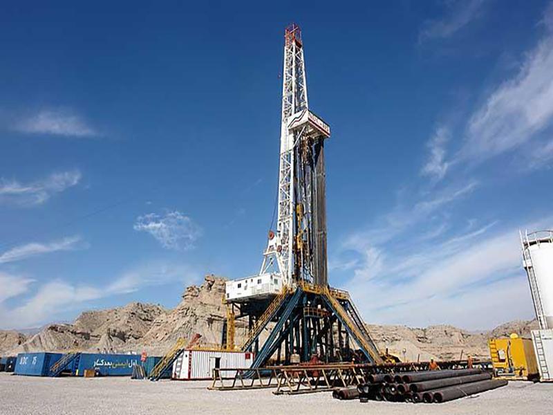 سه قرارداد نفتی تا پایان سال امضا میشود